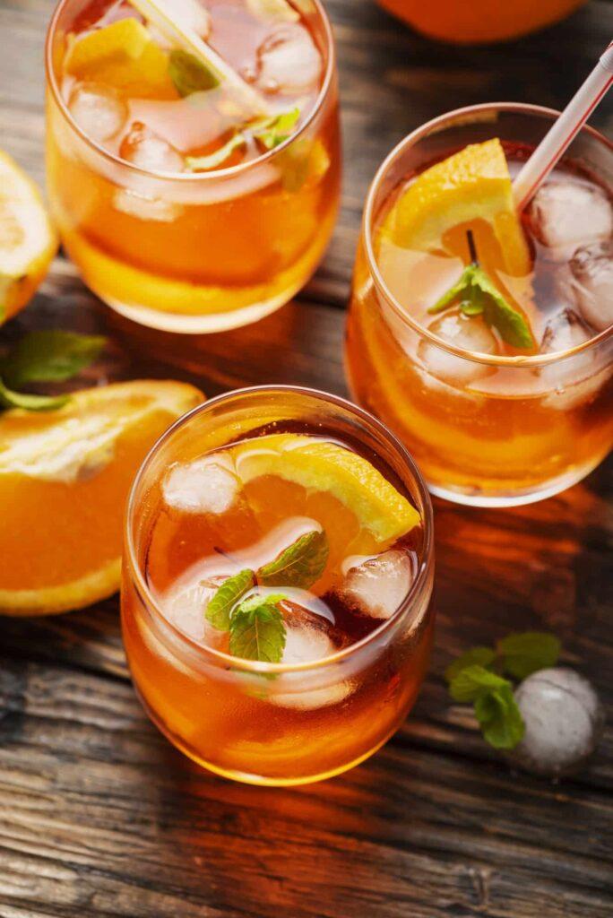 Aperol Spritz mit Orange
